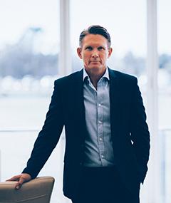 DEAN_BOWTELL_SHARKS_CEO